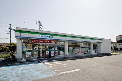 ファミマ田辺新庄店写真
